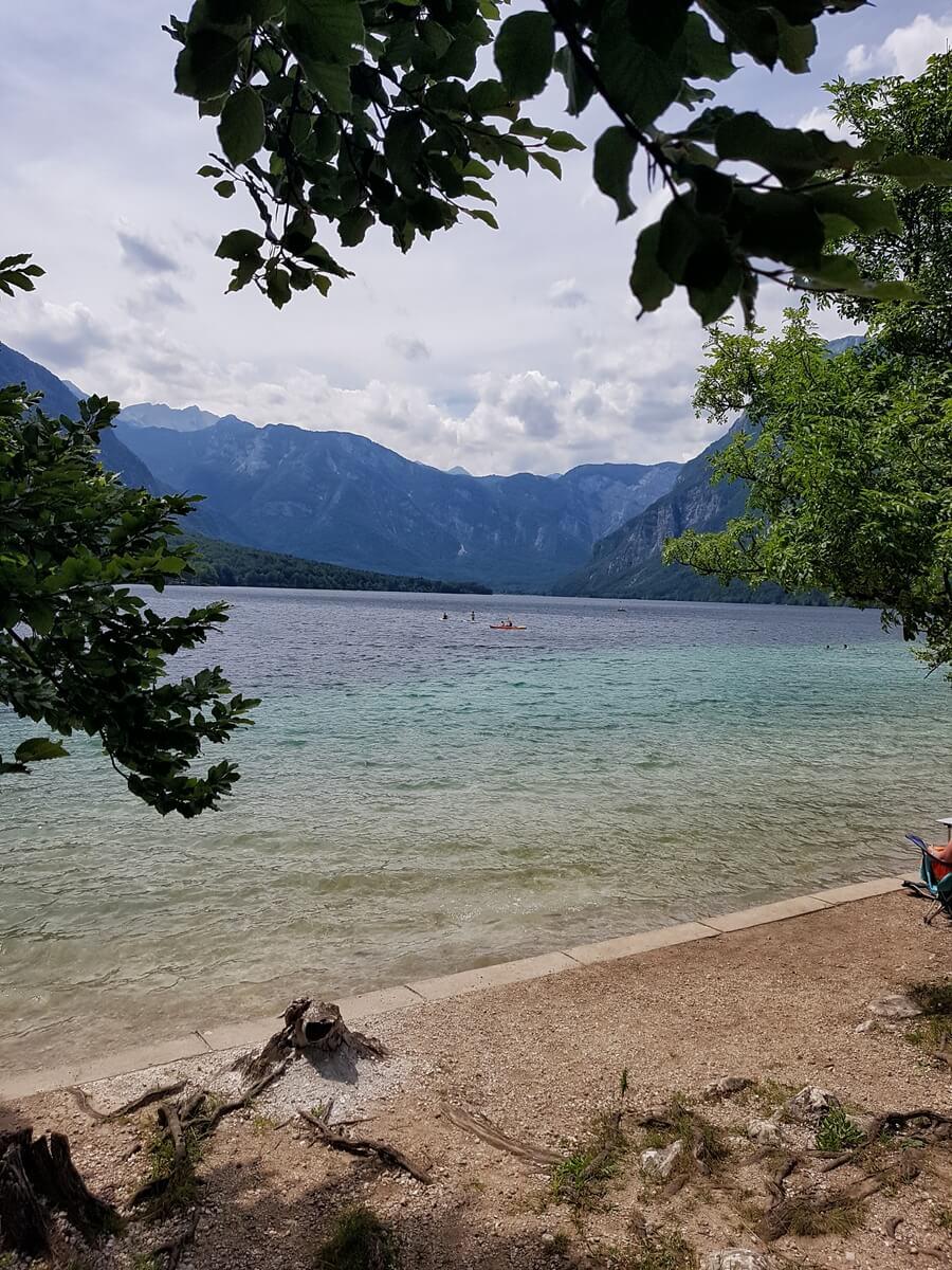 widok na jezioro bohińskie