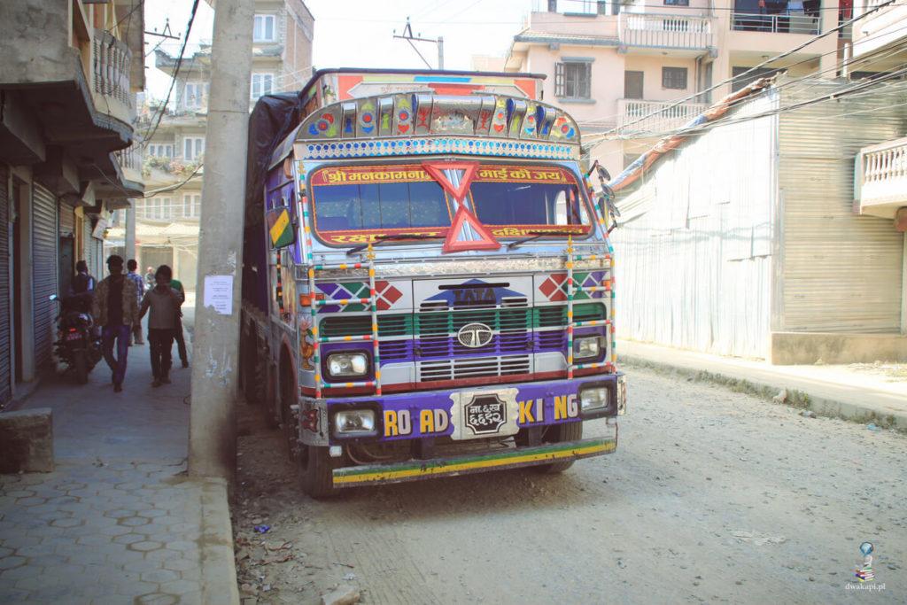nepalska cieżarówka